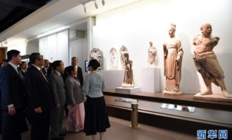 习近平向首届丝绸之路国际文化博览会致贺信