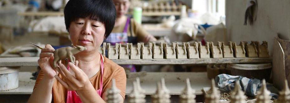 传承泥塑技艺 开拓致富之路