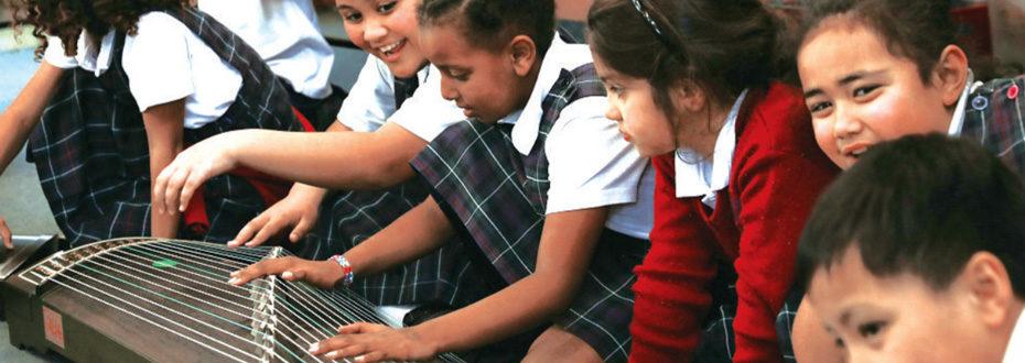 古筝教学体验课走进新西兰惠灵顿圣安妮学校
