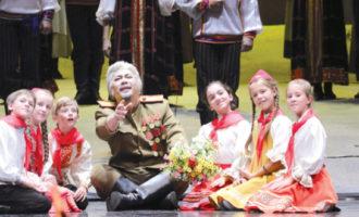 用音乐表达中俄两国人民的深情厚谊