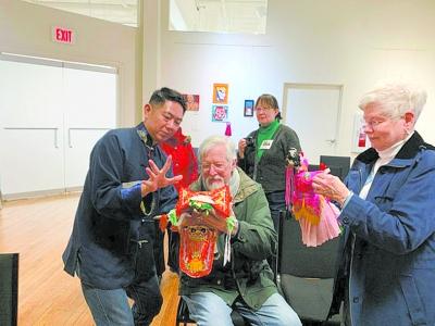 中国传统布袋木偶艺术 走进美国学校、社区