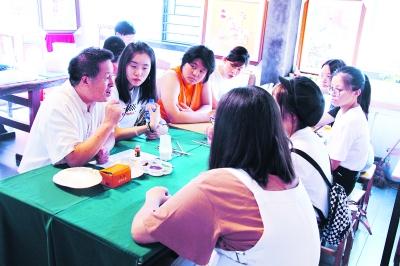香港校园艺术大使探访荆楚文化