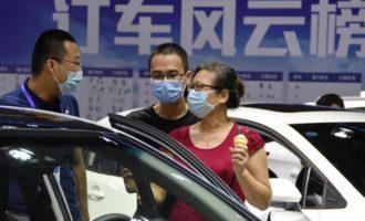 福州:假期逛车展