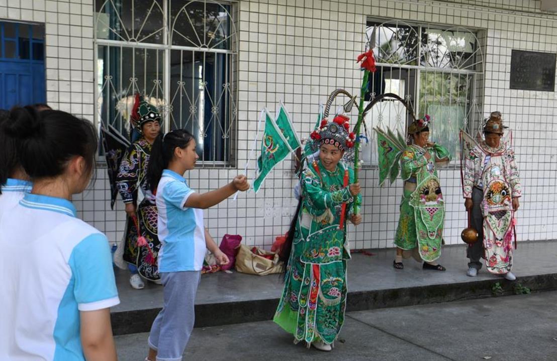 贵州天柱:乐享侗戏度暑假