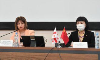 格鲁吉亚卫生部长:中国新冠疫苗安全可靠